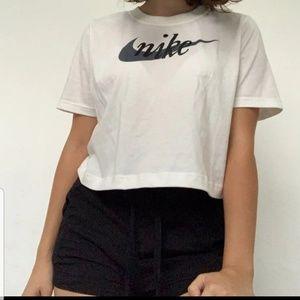 Sz Large nike crop top tshirts